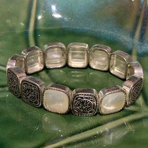 💜5/&10💜 Monet Mother of Pearl Stretch Bracelet